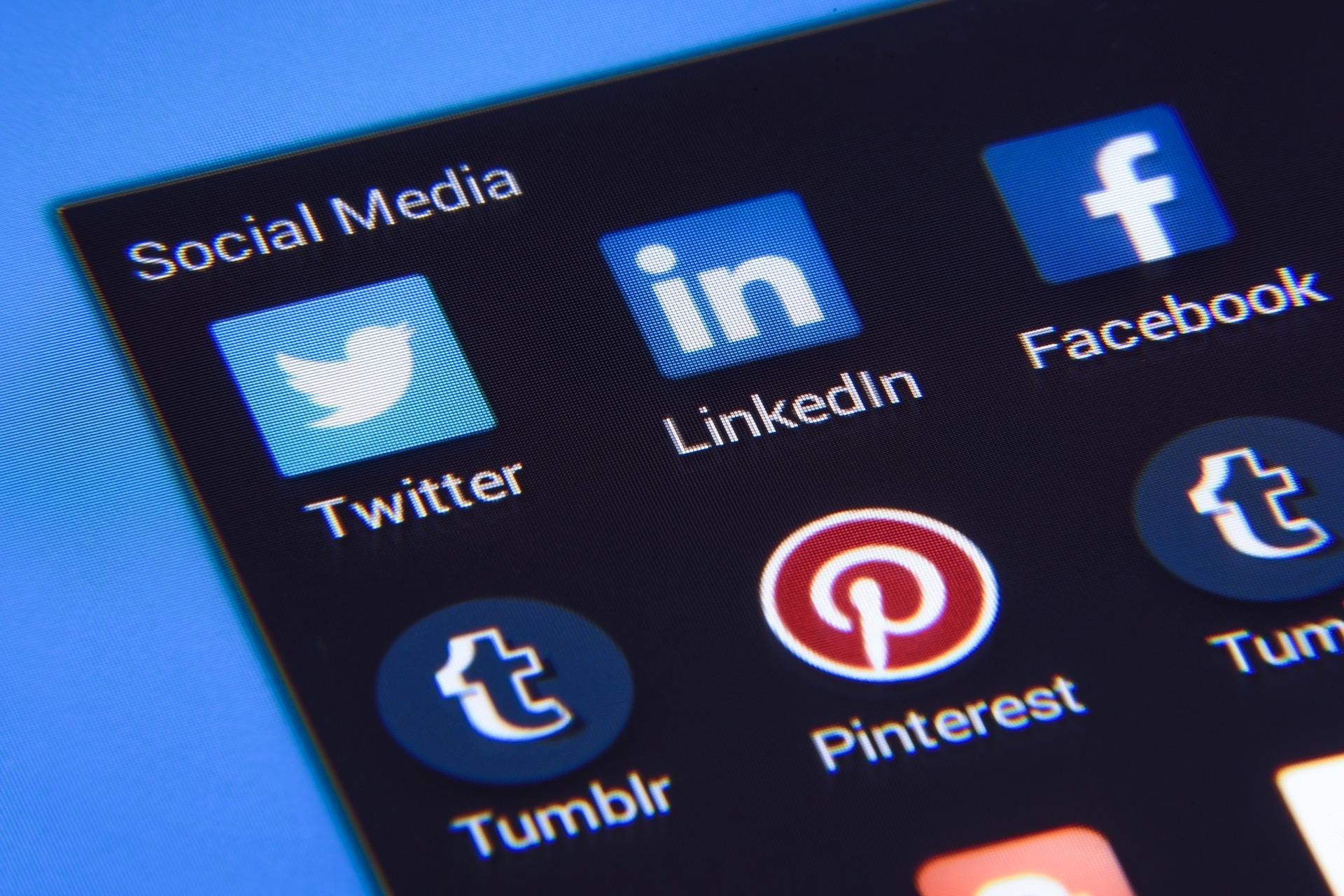 Reklamiranje putem društvenih mreža