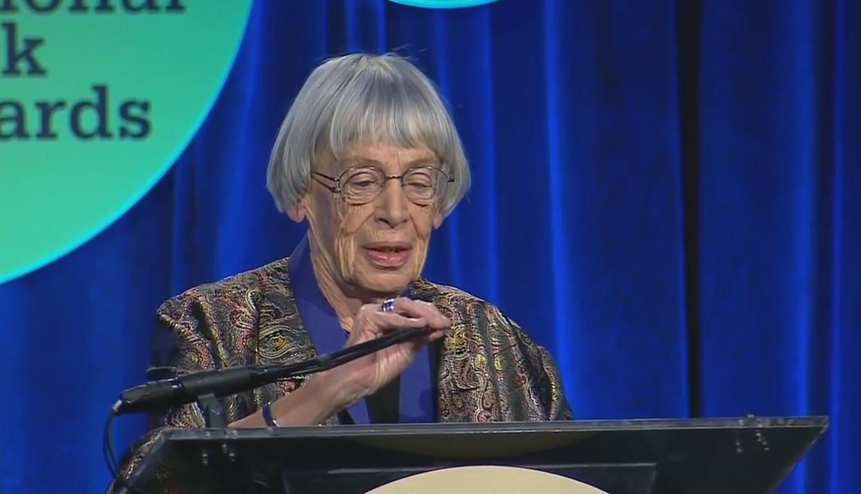 Pokazala nam je drugačiji svet – Ursula K. Legvin
