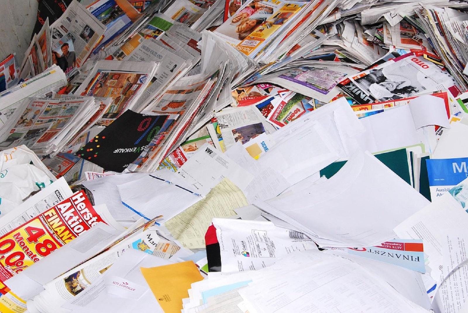 Papir daj - s nama recikliraj!