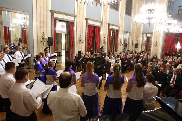 """Tradicionalni decembarski koncert """"Mir, ljubav, nada"""""""