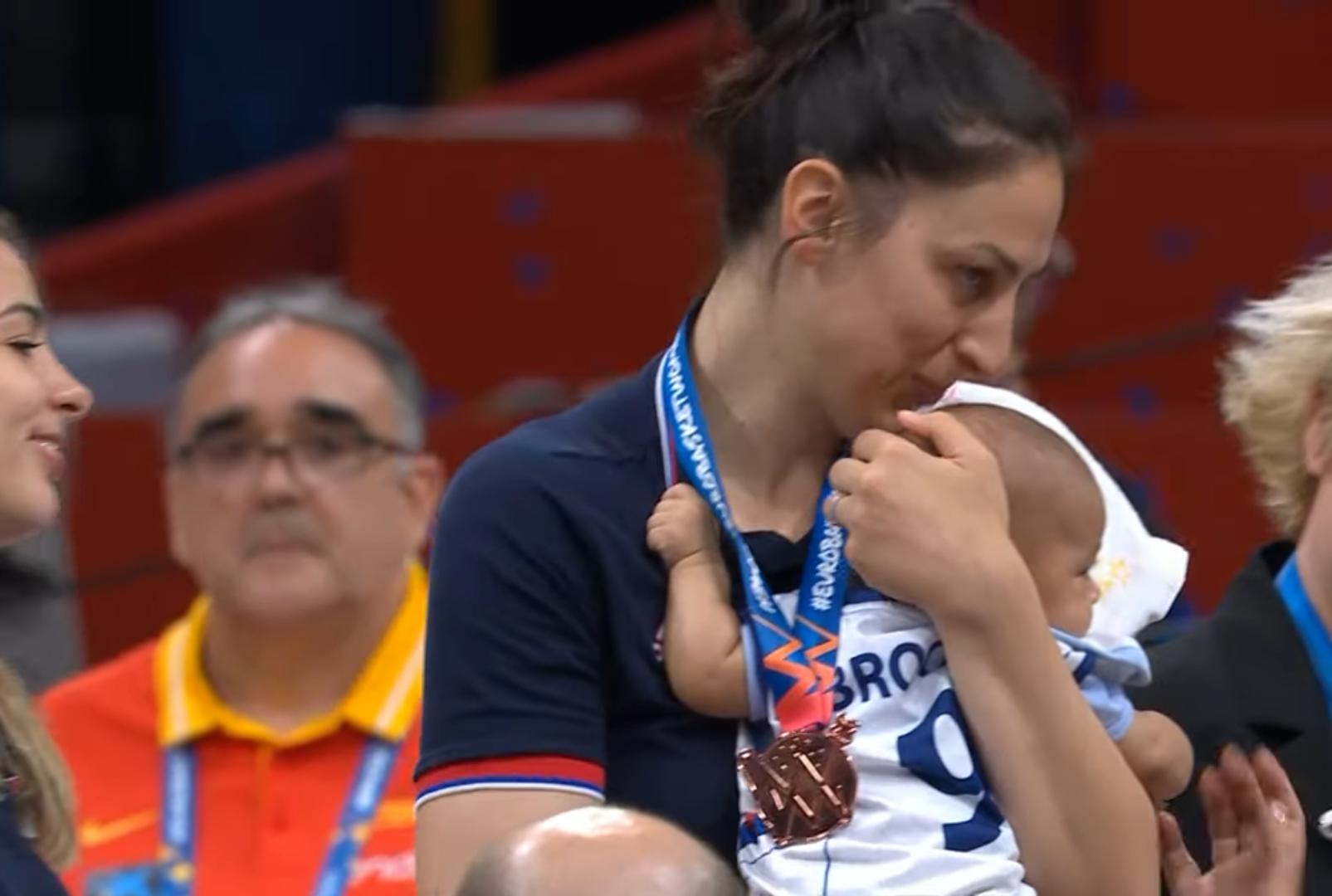 Jelena Bruks: majka na pobedničkom postolju