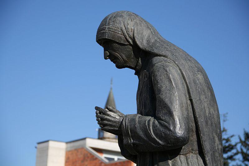 Majka Tereza: koliko dobrota ima strana?