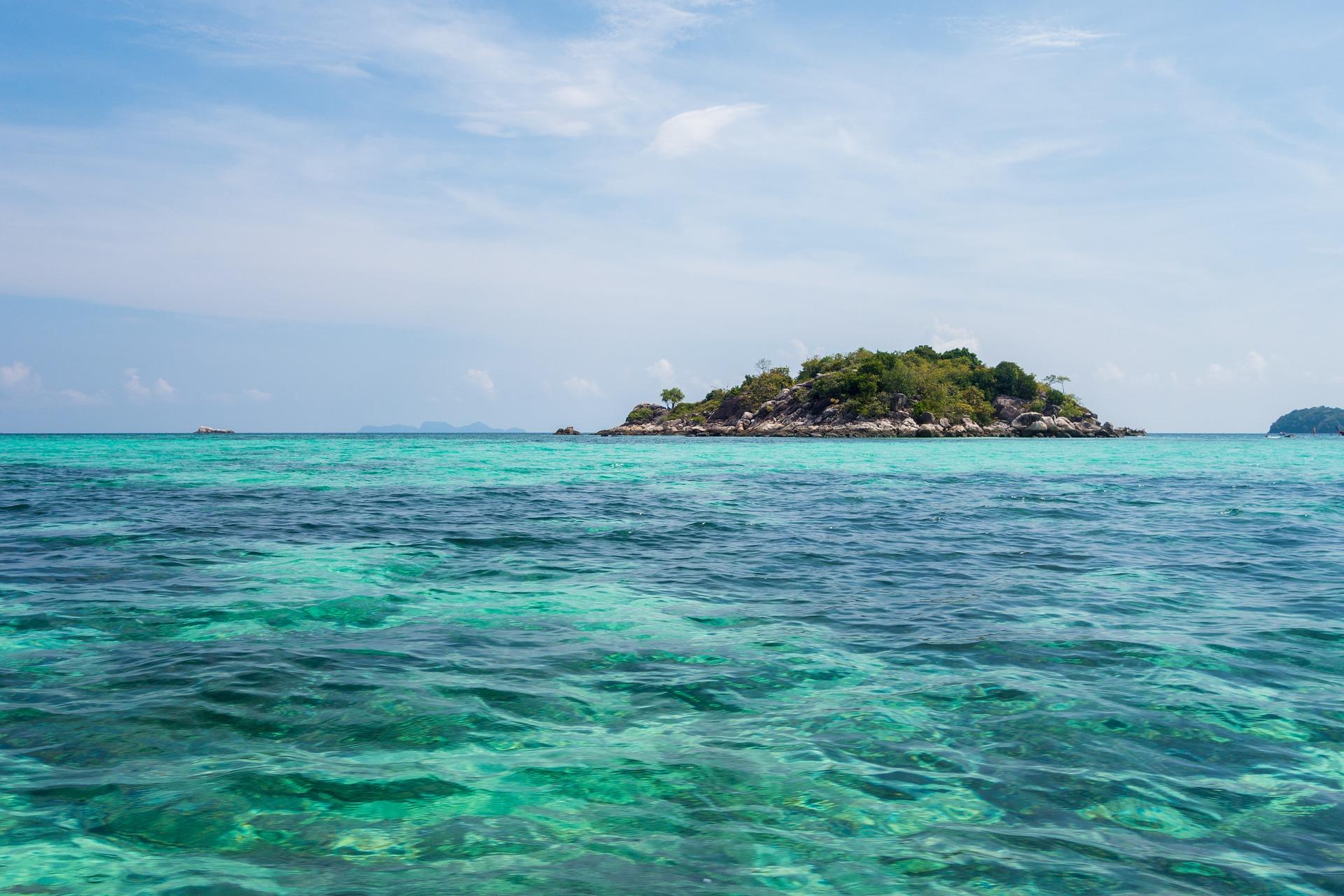 Zašto boja okeana i mora nije svuda ista?