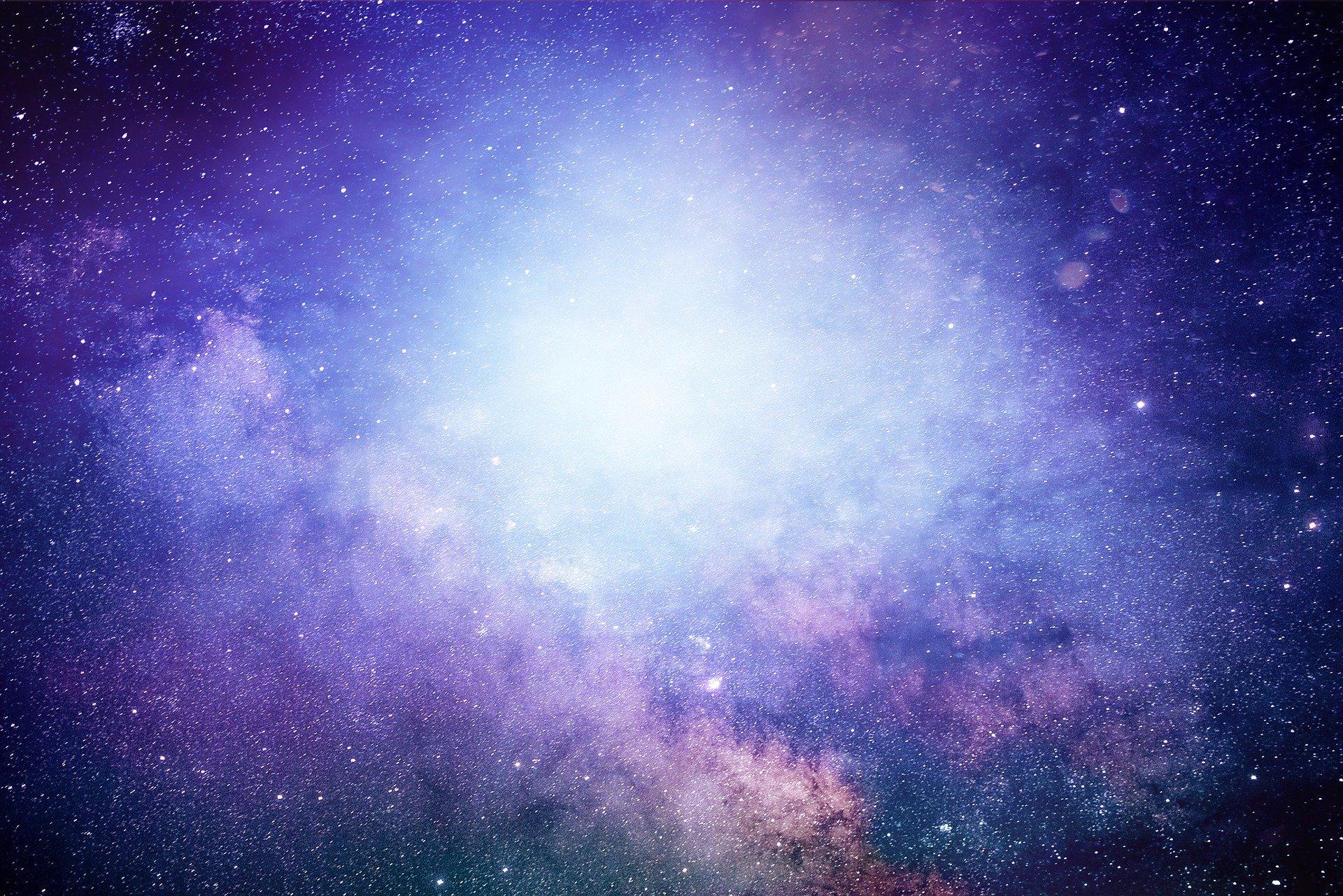 Oslušnite zvukove dalekih galaksija