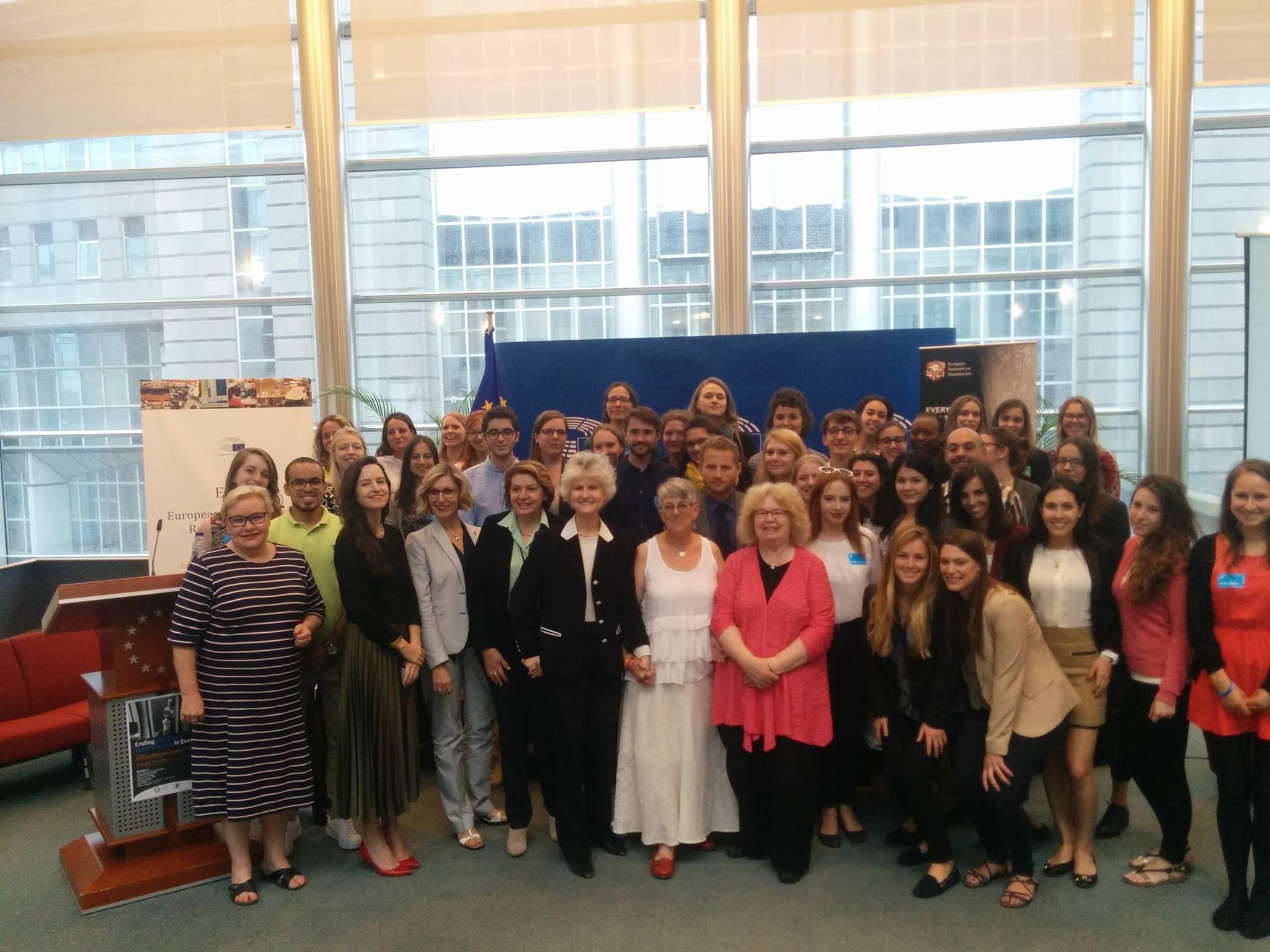 Predstavnice Srbije: Kongres mladih o apatridiji